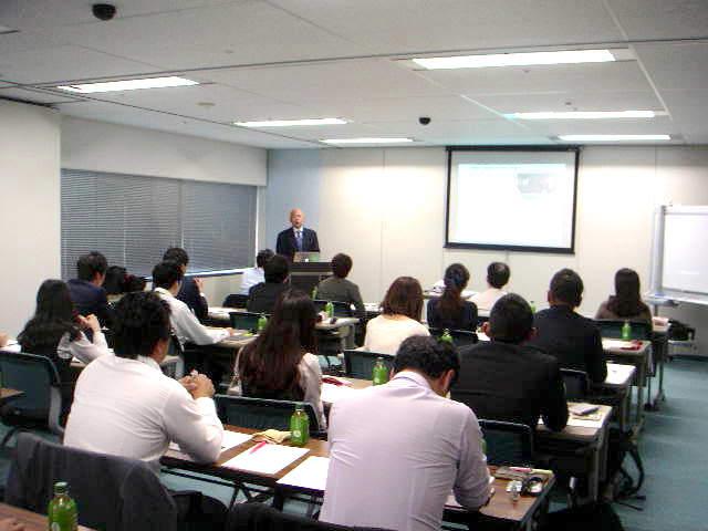 【天野功一の使い方1】セミナー「感情営業セミナー」「大丈夫セミナー」で営業の極意を習得☆感情営業の基本をしっかり習得するセミナーです。会社・組織・各種業界団体等でセミナー・研修など開催の時に、お役に立てます。日本全国で活動しています。のイメージ